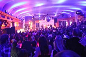 J.Lindeberg verlost 2 x 2 VIP Tickets für die Kitz'n'Glamour Party in Kitzbühel am 24.01.2014, dem stylische Hotspot und Trendparty zum Hahnenkammrennen.
